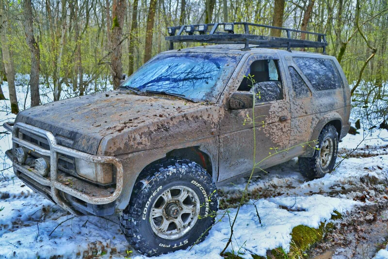 Is it bad to leave mud on your truck?