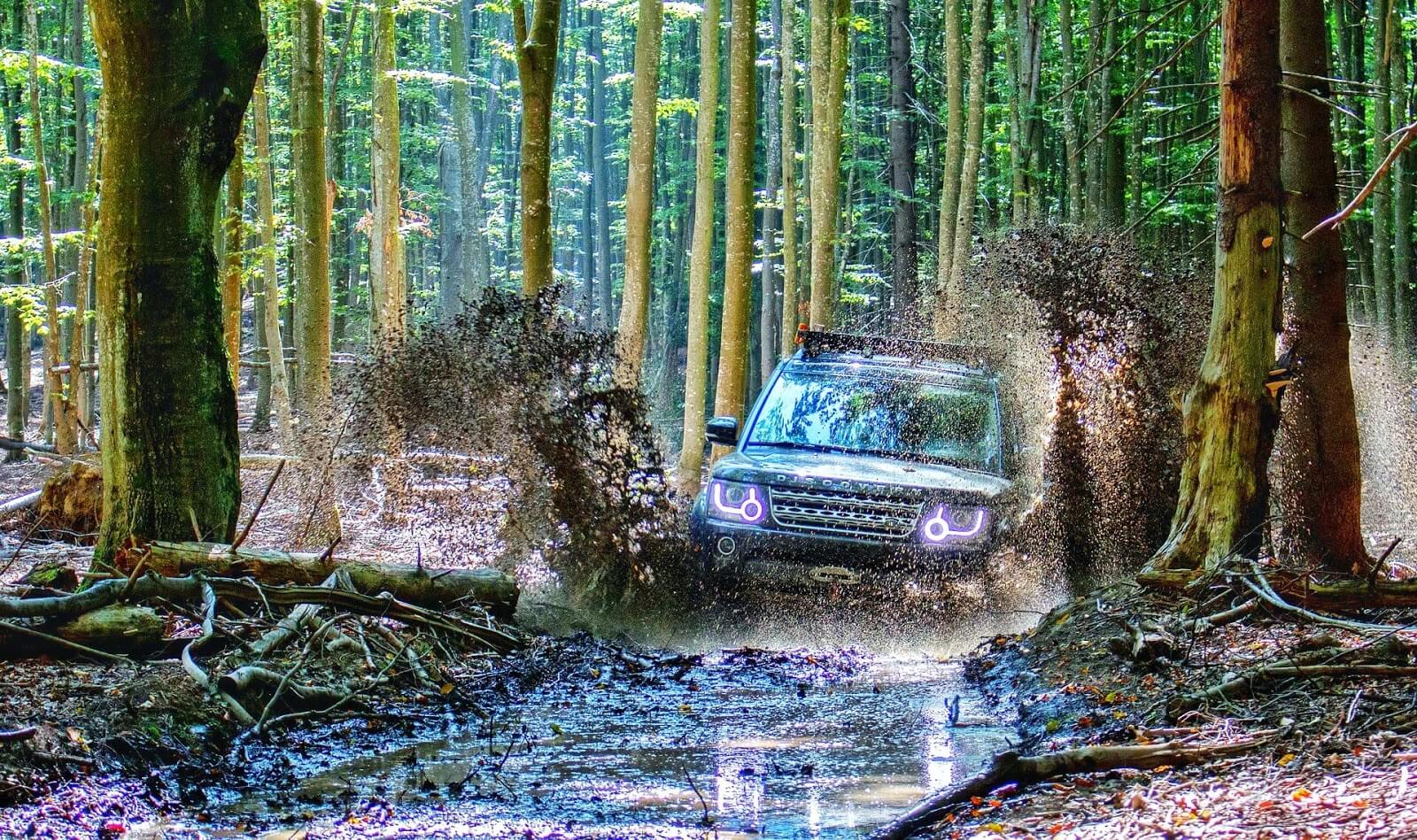 Does traction control help in mud? | traction control vs lockers on off-roading