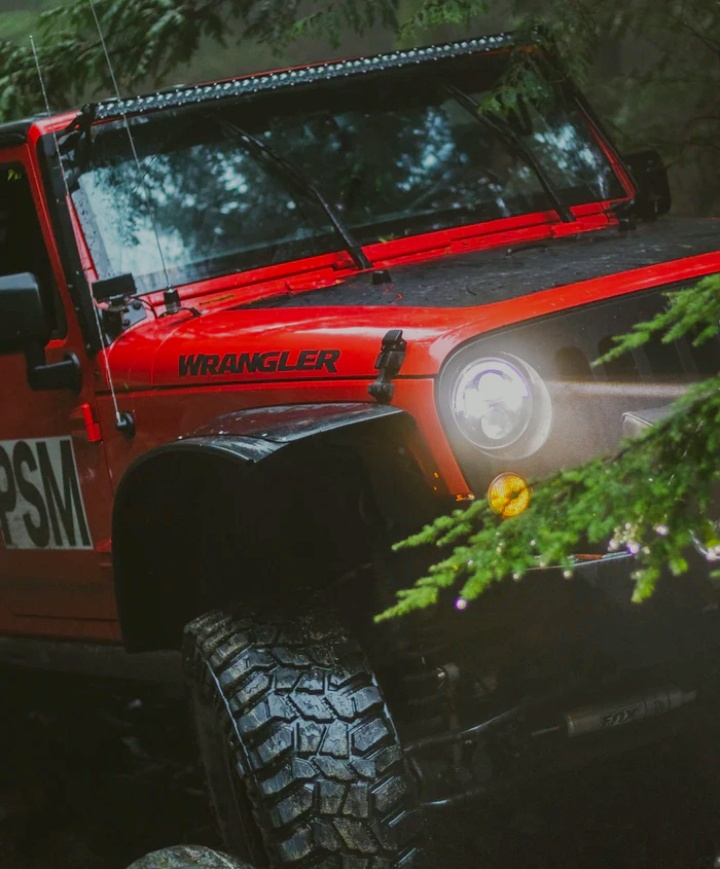 Read more about the article Off-Road LED Light Bar Installation Guide | Off Roading Pal